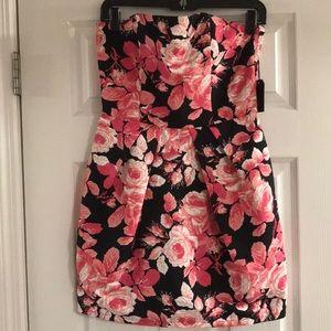 NWT DRESS ❤️